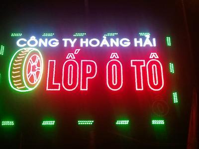 Bảng hiệu quảng cáo Lốp Xe  nghệ thuật