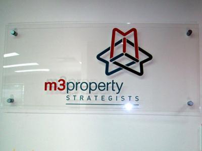 Bảng backdrop M3property cao cấp